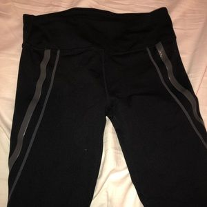 Fabletics Cropped Leggings